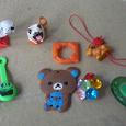 Отдается в дар игрушки из киндеров и скрепыши