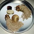 Отдается в дар кисточки и бусинки для создания сережек и кулона