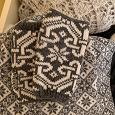 Отдается в дар Шапочка (54-56), шарфик и митенки