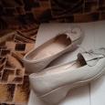 Отдается в дар женские туфли 39 размера и 40