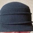 Отдается в дар Черная шляпка с небольшими полями,100% шерсть, на не большую голову, размер не указан