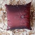 Отдается в дар Подушка красная диванная