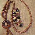 Отдается в дар деревянные украшения, бусы, браслет