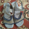 Отдается в дар Женские сандалии
