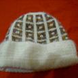 Отдается в дар шапка девчачья очень-очень тёплая!