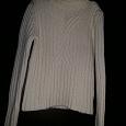 Отдается в дар Тёплый свитер 40 — 42 размера