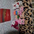 Отдается в дар игрушки и коврик из верблюжей шерсти