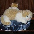 Отдается в дар Кошка с котенком в натуральный размер