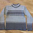Отдается в дар свитер 40-42 размер