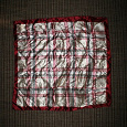 Отдается в дар Шелковые платки квадратные.Отдается срочно.