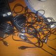Отдается в дар зарядные устройства, наушники, usb шнур от samsung