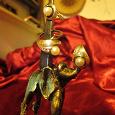 Отдается в дар Серебряный красивый комплект украшений с жемчугом для женщины.