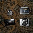 Отдается в дар Фотоаппарат — мыльница, 2 аудиоплеера кассетных, радио