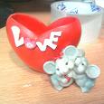 Отдается в дар Подставка для телефона в виде сердечка с мышками