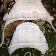 Отдается в дар Вязаные шапочки на девочку