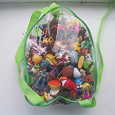 Отдается в дар Рюкзак с игрушками из киндера