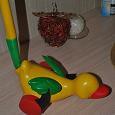 Отдается в дар Игрушка утка-каталка
