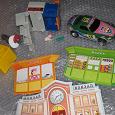 Отдается в дар Машинка 15см., картинки из картона (касса, вокзал) и прочие детские радости