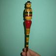 Отдается в дар Ручка деревянная «Ванька-встань-ка» 18+