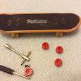 Отдается в дар Игрушка- скейт для пальцев (Fingerboard)