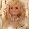 Отдается в дар Фарфоровая кукла в коллекцию (большая)