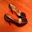 Отдается в дар Туфли женские на высоком каблуке 40 размер новые.