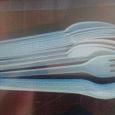 Отдается в дар одноразовые вилки и ножи