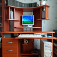 Отдается в дар Компьютер с комплектующими и компьютерный стол