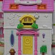 Отдается в дар Кукольный домик с мебелью.