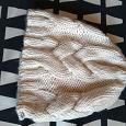 Отдается в дар Шапки, шарфы, варежки женские