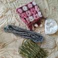 Отдается в дар Шапки и шарфики