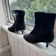 Отдается в дар 2 пары женской обуви 37 размер