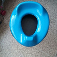 Отдается в дар детское пластиковое сиденье на унитаз