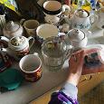 Отдается в дар Кухня — чашки, чайники, прихватка, свечи