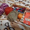 Отдается в дар Нитки для вязания, нитки мулине, спицы для вязания на леске