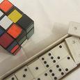 Отдается в дар Домино и кубик рубик
