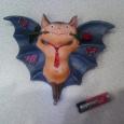 Отдается в дар Сувенир-игрушка Летучий мышь с розой
