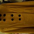 Отдается в дар Пальто желтое. 42 размер