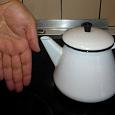 Отдается в дар Чайник эмалированный на 0,5-0,7 л. Привет из СССР