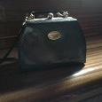 Отдается в дар черная сумочка от versace