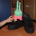 Отдается в дар Спортивные туфли, на толстой подошве
