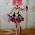 Отдается в дар Кукла Winx с прибанбасами.