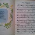 Отдается в дар Ноты и песни для детей младшего возраста.