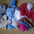 Отдается в дар шапки, шарф, платок, варежки, берет