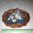Отдается в дар Фигурка «котята в корзинке»