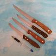 Отдается в дар Кухонные ножи с деревянными ручками.