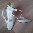 Отдается в дар Туфли белые. Натуральная кожа. 38 размер.