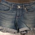 Отдается в дар Шорты джинсовые на 11-12 лет
