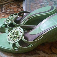 Отдается в дар Босоножки зеленые-очень классные
