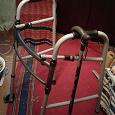 Отдается в дар дарю ходунки для инвалида и тросточку